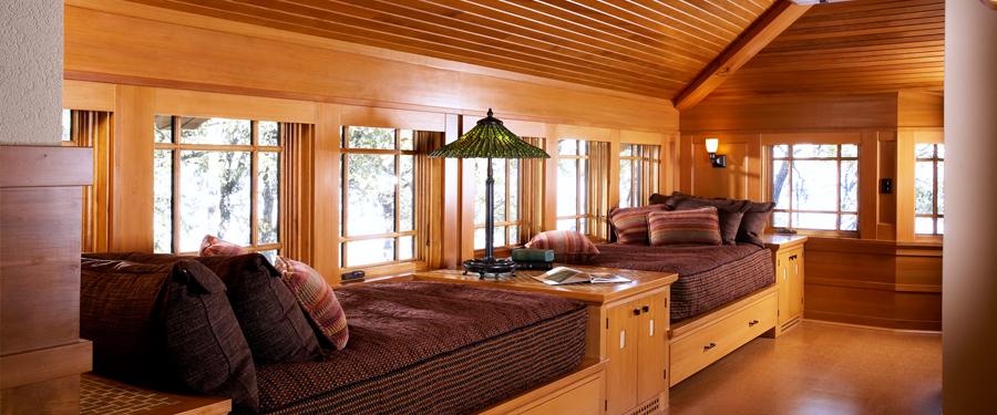 Design cottage themed craft studio joy studio design for Arts and crafts bedroom