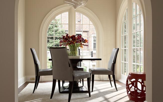 Summit Avenue Villa Breakfast Room
