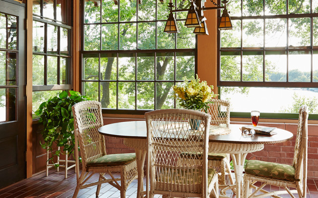 Deephaven Craftsman Summer Porch