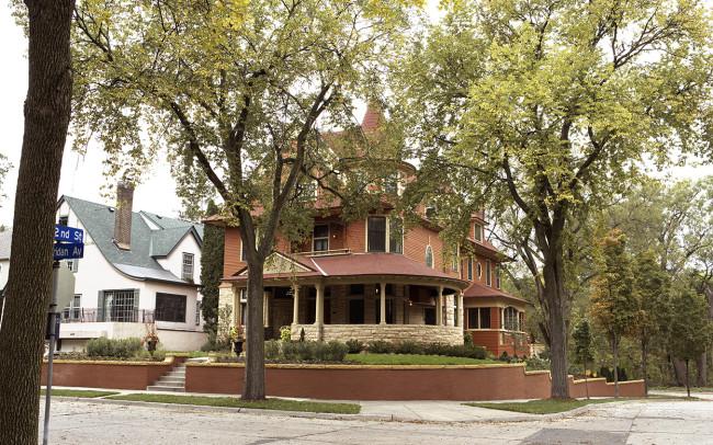 Kenwood Queen Anne Exterior