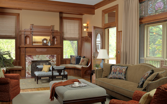 Kenwood Queen Anne Family Room
