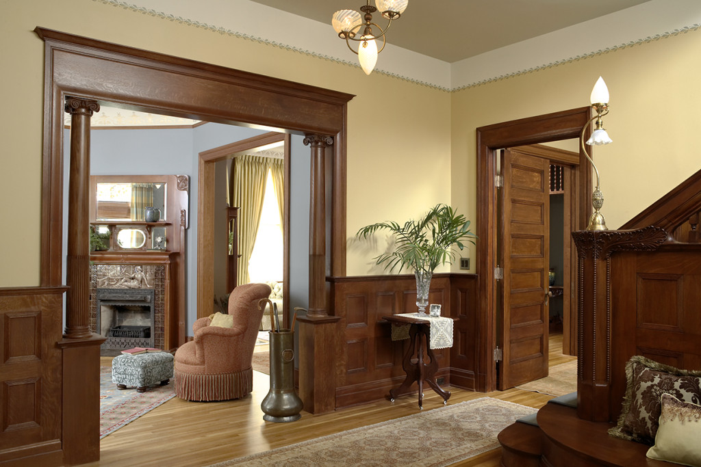 Kenwood Queen Anne Foyer