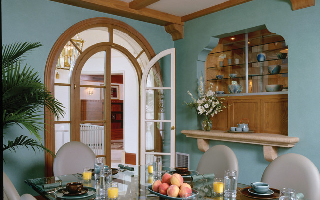 Lake Harriet Villa Breakfast Room