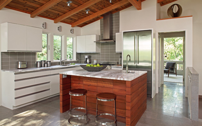 Saint Croix River Modern Kitchen