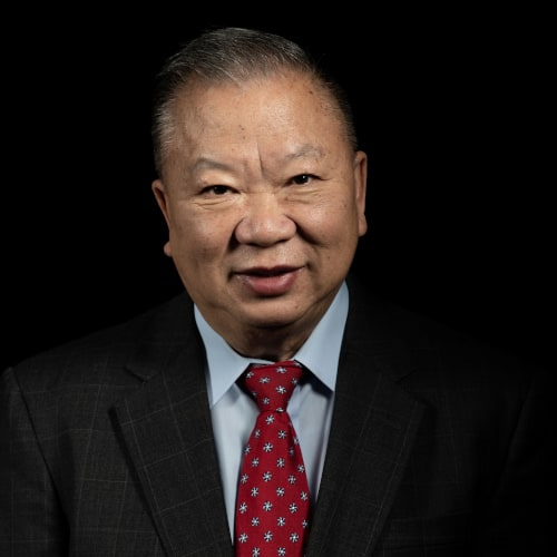 Tom Moua, Controller